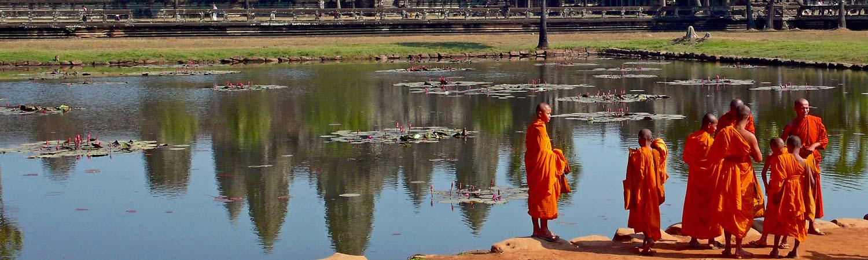 Kambodza wakacje Monks Angkor Wat. Kambodża wycieczki