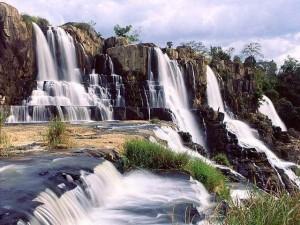 Wietnam atrakcje Dalat wodospady. Wietnam egzotyczne wycieczki. TOP TRAVEL Ekskluzywne wakacje Azja.