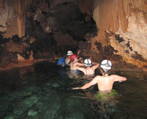 Belize egzotyczne wakacje atrakcje snoorkling w jaskiniach. TOP TRAVEL Ekskluzywne wycieczki Ameryka Środkowa.