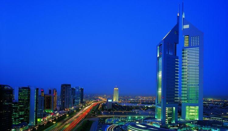Dubai nocą