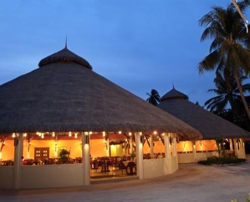Malediwy ekskluzywne wycieczki hotel bandos